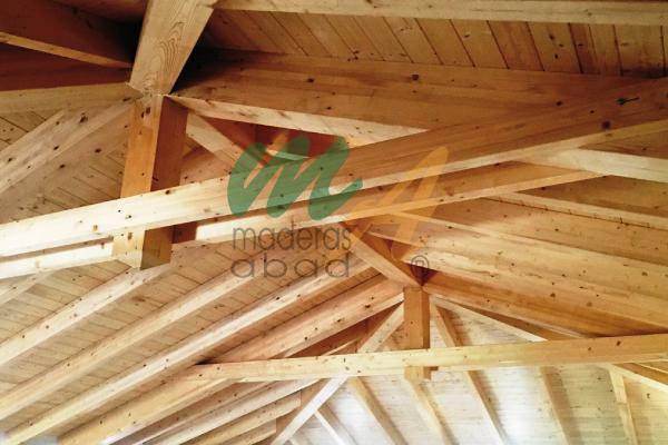 Madera para estructuras elegant treehouse lodge - Tejado a cuatro aguas ...