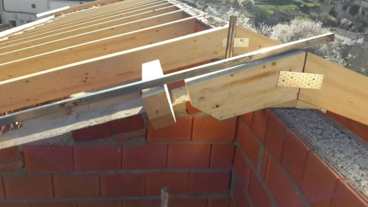 Estructuras de madera para tejados latest acabado haya - Estructuras de madera para techos ...