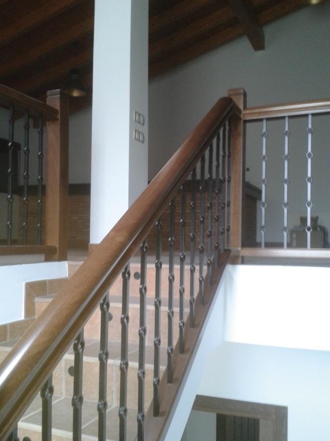 Barandillas de madera rusticas simple barandillas con for Escaleras de madera rusticas